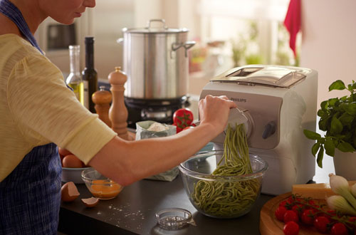 Philips Avance HR2357/08 Pasta Maker Frustration-Free Packaging